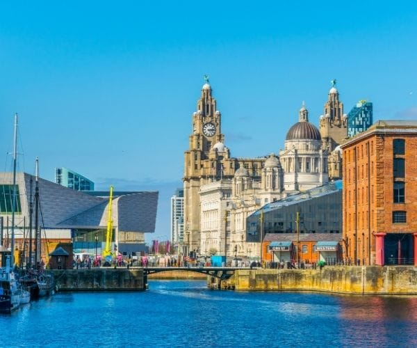 liverpool city with water